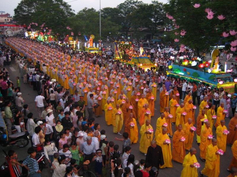 Thực hành nghi lễ tắm Phật sao cho đúng trong lễ hội Phật Đản để phước lộc dồi dào - Ảnh 1