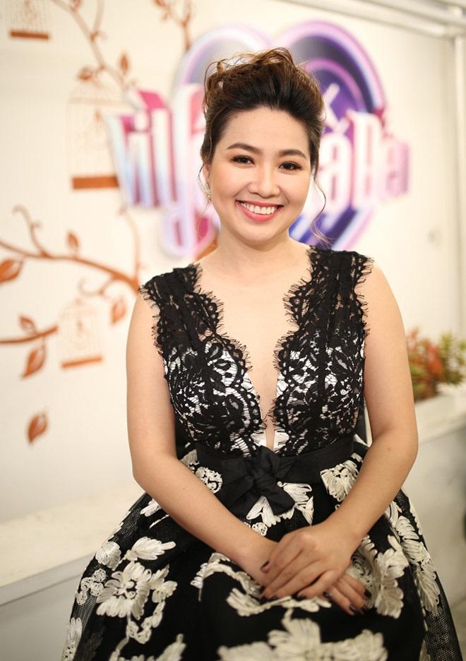 Kết hôn hơn 3 năm vẫn chưa sinh em bé nhưng Lê Khánh quyết định sinh con trong năm tới vì lý do này - Ảnh 1