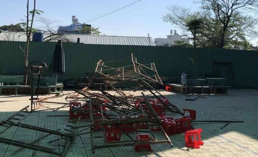 25 học sinh bị thương trong vụ sập giàn giáo, 15 em đã chuyển vào bệnh viện Chợ Rẫy - Ảnh 2