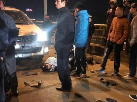 Xe 'điên' mất lái, lao cực nhanh tông 4 người nằm la liệt giữa đường - Ảnh 2