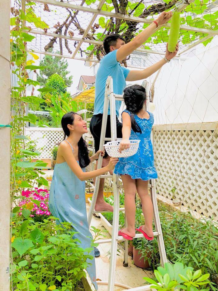 'Ghen tỵ' với món quà sinh nhật đặc biệt của Công Vinh dành tặng Thủy Tiên - Ảnh 2