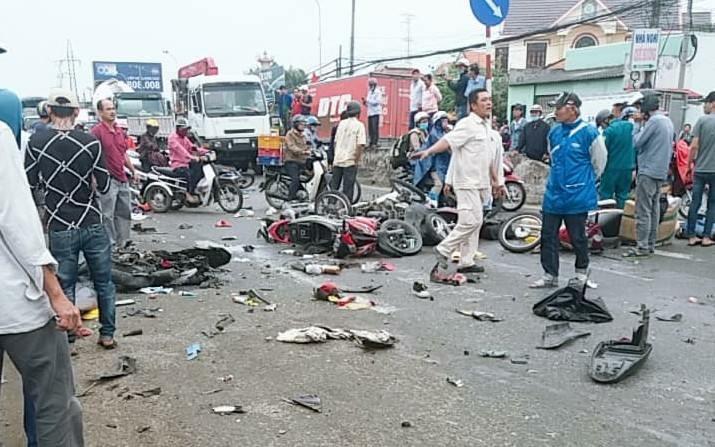 Vụ tai nạn kinh hoàng ở Bến Lức: Lãnh đạo Bộ giao thông vận tải nói gì? - Ảnh 2