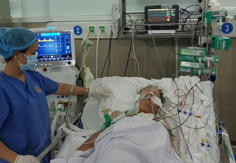 Lần đầu tiên bệnh viện Quận 11 cứu sống bệnh nhân 81 tuổi bằng máy tạo nhịp tim - Ảnh 1
