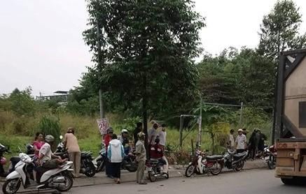 Thi thể người phụ nữ cháy hết phần đầu trong bụi cây ở Biên Hòa - Ảnh 1