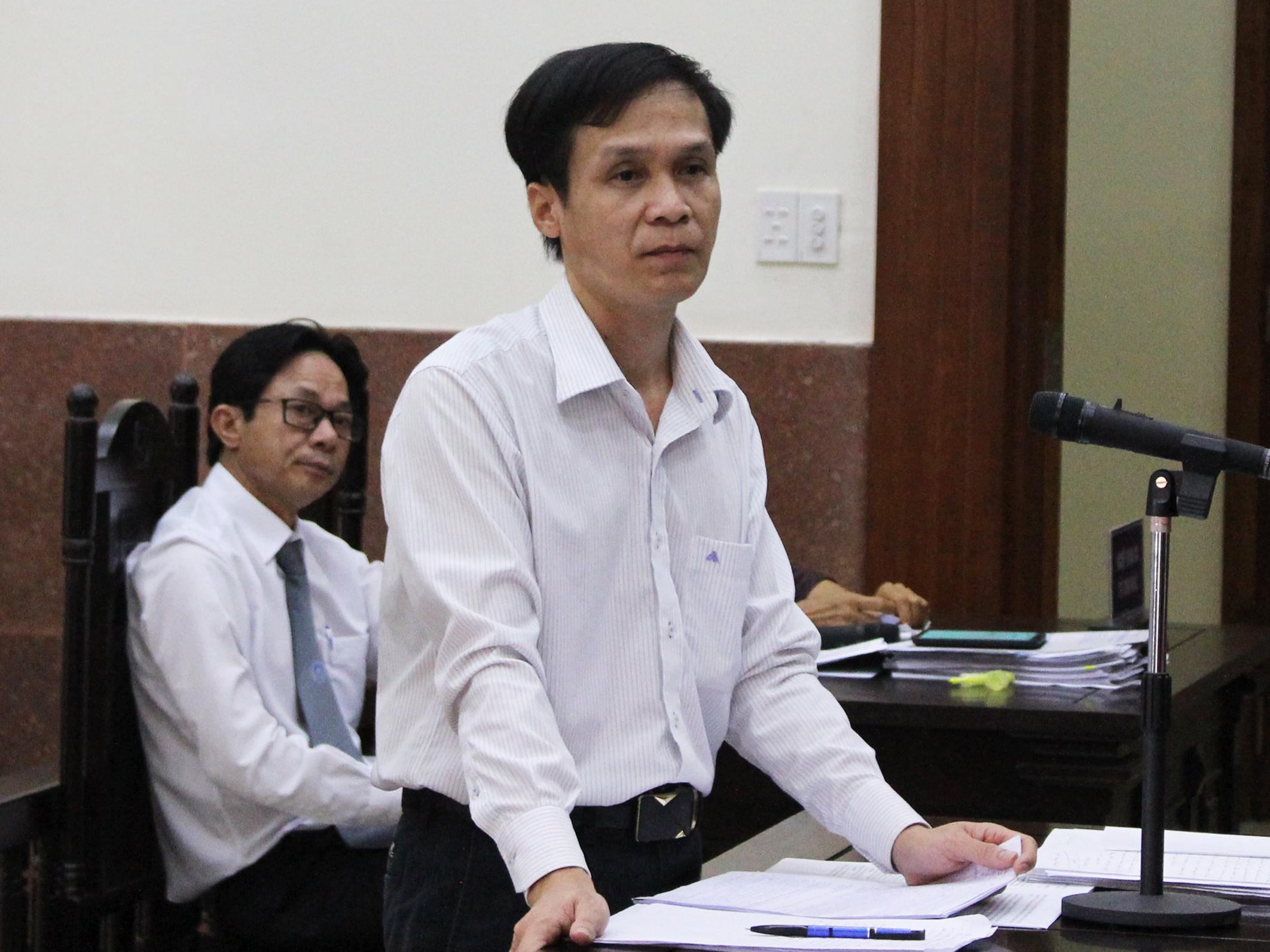 Bi hài thân chủ kiện luật sư vì bị chiếm đoạt gần 1 tỷ đồng - Ảnh 1