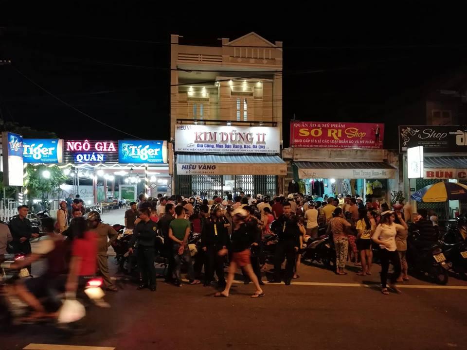 Táo tợn dùng búa cướp tiệm vàng ở Quảng Nam - Ảnh 2