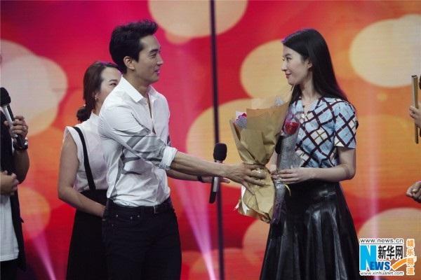 3 năm hò hẹn, chuyện tình Song Seung Hun - Lưu Diệc Phi kết thúc buồn như phim 'Third Love' - Ảnh 6