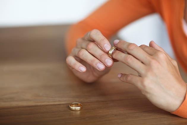 Khi hôn nhân đổ vỡ  hãy  làm bạn với người cũ