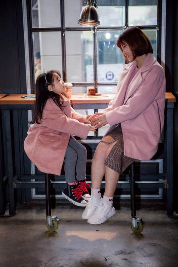 'Cùng nhau đi trốn' - Bộ ảnh xinh ơi là xinh của mẹ và con gái chụp ở Hàn Quốc - Ảnh 9