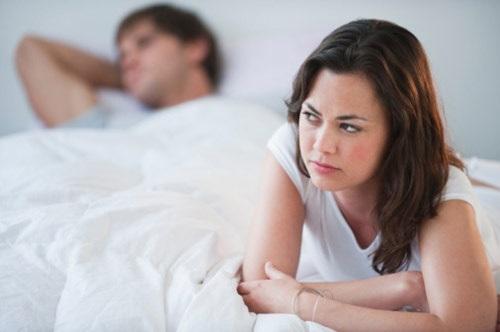 Mắc bệnh tình dục vì bao cao su kém chất lượng - Ảnh 1
