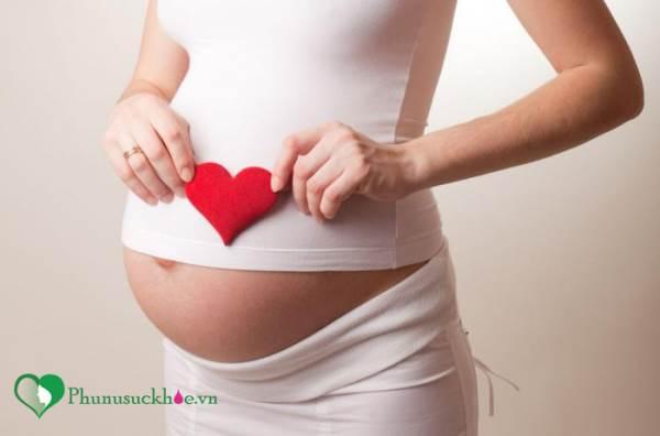 Mang thai 3 tháng đầu có nên ăn cua không? - Ảnh 1