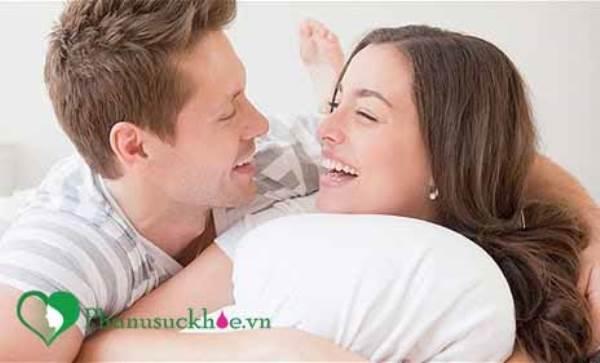 Mang thai 3 tháng đầu có được quan hệ không? - Ảnh 1