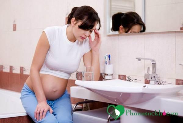 Phụ nữ mang thai đi tiểu nhiều và cách khắc phục - Ảnh 1