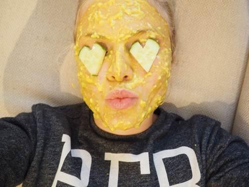 Chăm sóc da mặt từ mặt nạ trứng gà cho làn da trắng mịn