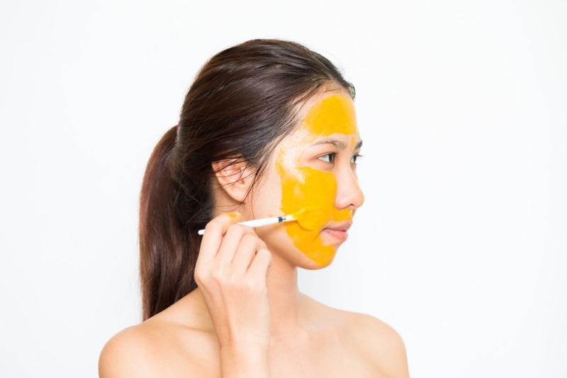 Mặt nạ tinh bột nghệ giúp dưỡng trắng da cho bà bầu