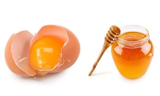 Công thức đơn giản làm mặt nạ trắng da từ mật ong và trứng gà