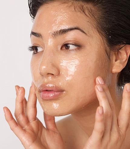 Đắp mặt với mật ong, liệu pháp hữu hiệu nhất cho cô nàng da dầu trong mùa thu hanh khô - Ảnh 3