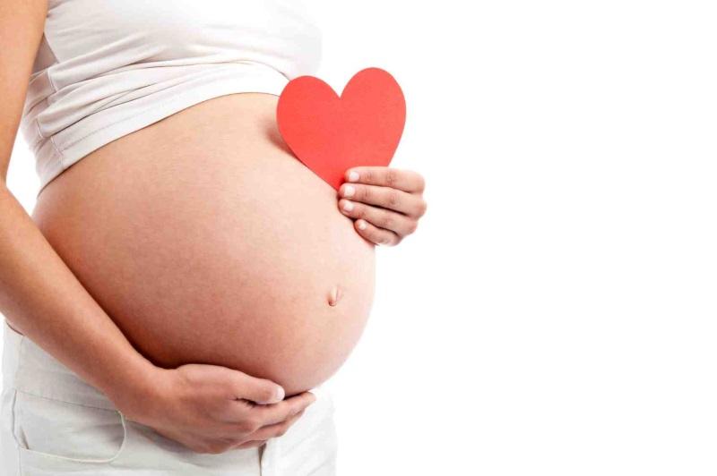 Mẹ bầu nên bổ sung dinh dưỡng cho nước ối giúp thai nhi phát triển vượt trội - Ảnh 1