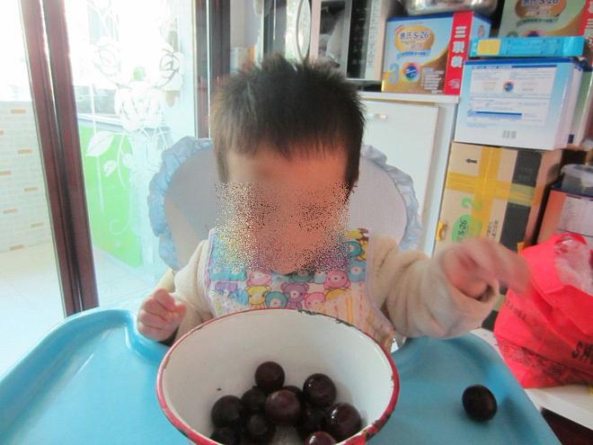 Khoe mẽ con trai 3 tuổi chỉ ăn sang mặc xịn và chê đồ rẻ tiền, mẹ trẻ hứng gạch đá vì bị quy 'tội' quý tộc sống ảo  - Ảnh 2