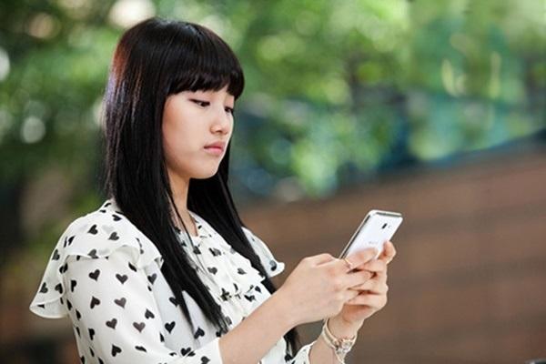 Tân hôn xong, con dâu gửi cho mẹ chồng 1 tin nhắn, bất ngờ sáng hôm sau bà đem 1 tỷ đến trước mặt cô... - Ảnh 1