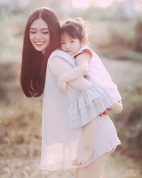 Mẹ đơn thân: 'Mẹ muốn cho con một hạnh phúc chân thật, dù không trọn vẹn' - Ảnh 1