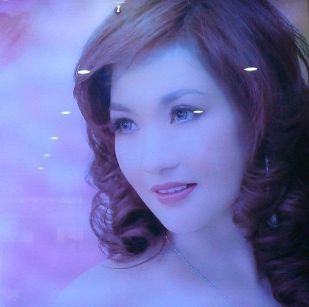 Choáng với nhan sắc của mẹ Hoa hậu Bản sắc Việt Toàn cầu Trần Thu Ngân