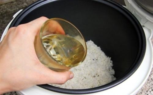 Bí quyết độc đáo, dễ áp dụng: Nấu cơm ngon như người Nhật, chỉ với những viên nước đá