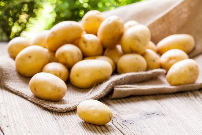 Cách trị thâm nách sau sinh đơn giản bằng khoai tây