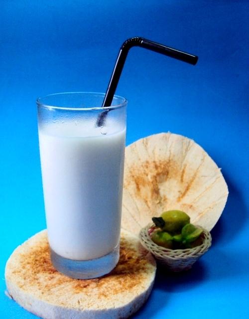 Sinh tố dừa thơm ngon, có nhiều lợi ích sức khỏe