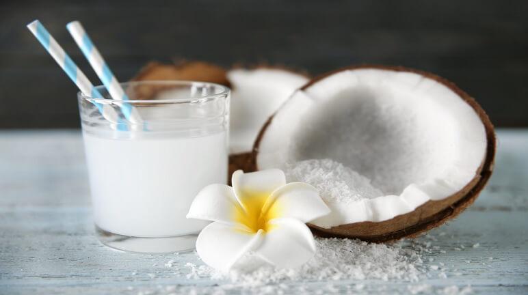 Uống sinh tố dừa giúp giảm mệt mỏi, hồi sức, tỉnh táo nhanh chóng