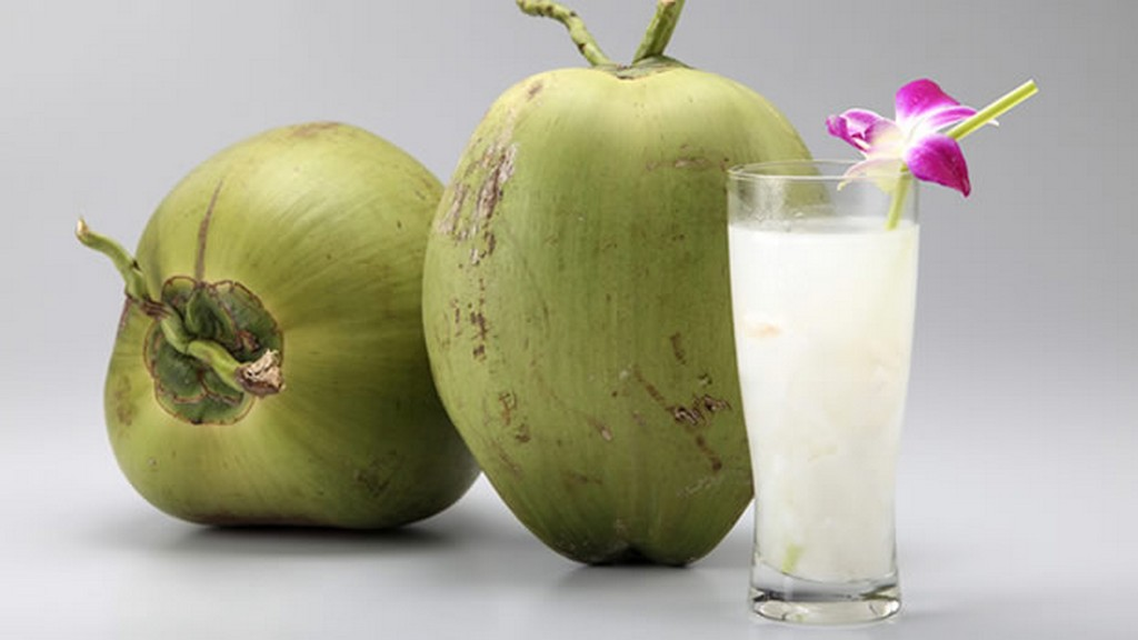 Uống sinh tố dừa giúp giảm thiểu nguy cơ thiếu máu
