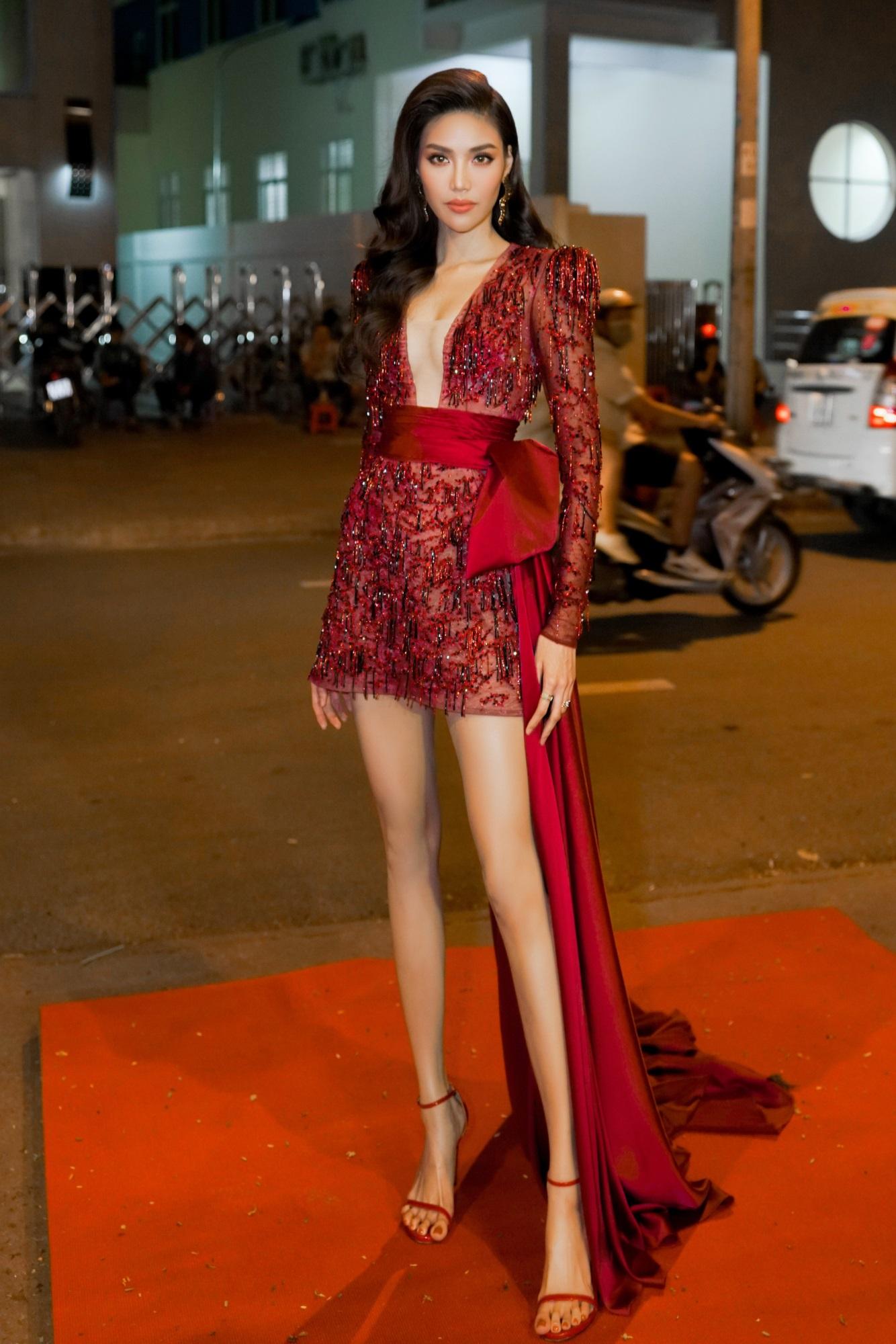 Cùng tuổi với H'Hen Niê nhưng 3 mỹ nhân Việt: Người vừa kết hôn, người có cơ hội tham dự Miss Universe  - Ảnh 9