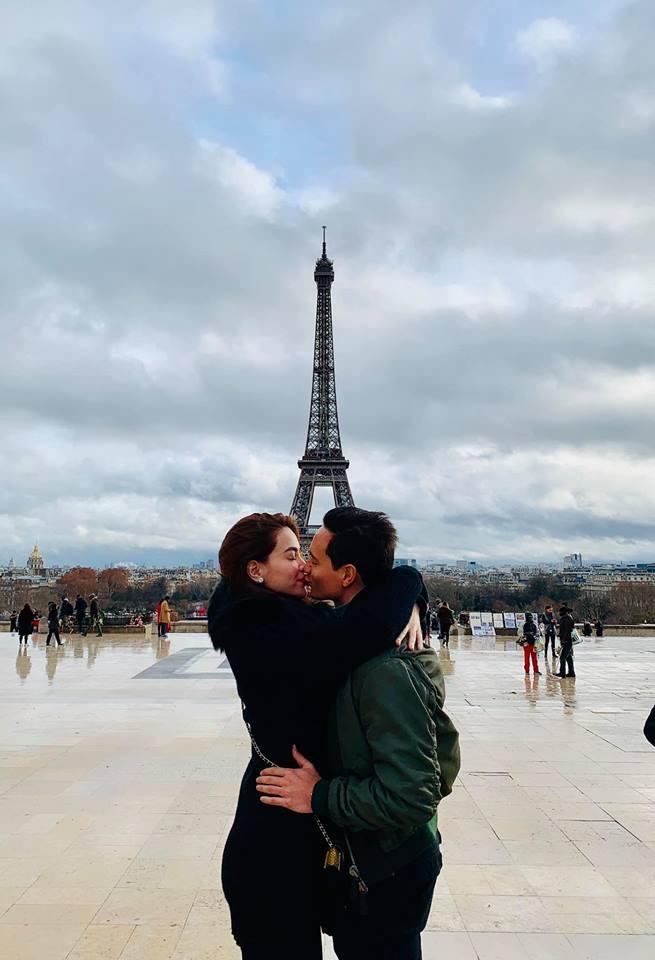 Kim Lý lần đầu công khai ảnh 'khóa môi' Hà Hồở Paris mừng Giáng sinh - Ảnh 1
