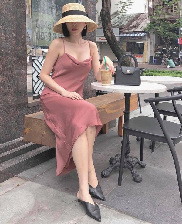 Tóc Tiên, Hương Giang và loạt sao Việt 'tô đậm' Giáng sinh bằng street style sắc màu rực rỡ - Ảnh 5