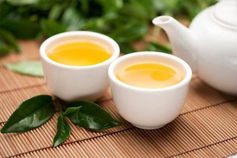 Sau mỗi bữa ăn khoảng 30 phút, uống 1 tách trà là thói quen rất tốt đối với gan