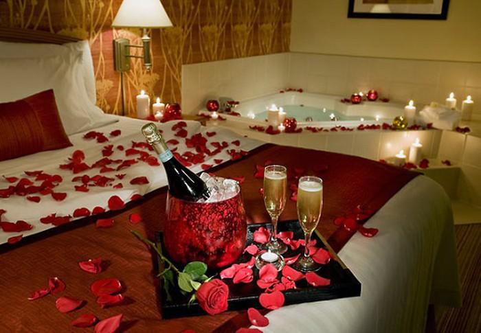 Bài trí căn phòng thêm lãng mạn cũng là cách để