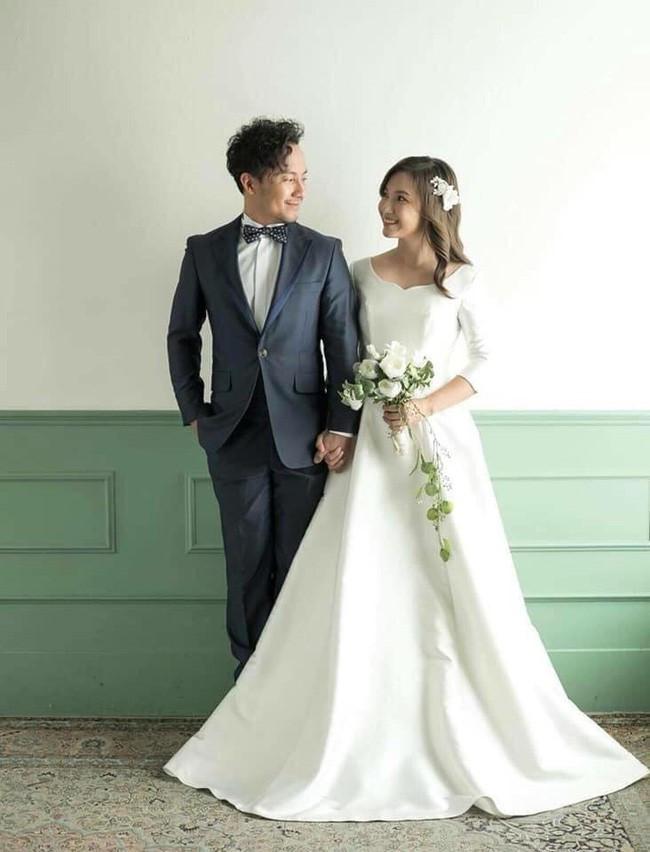Sau đám cưới, Tiến Đạt khoe ảnh vợ 9X: 'Giấu kỹ lắm rồi mà vẫn bị lộ' - Ảnh 4