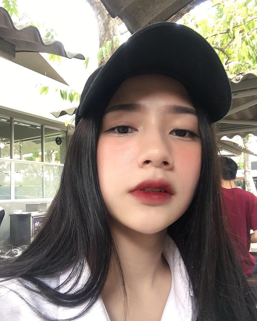 3 kiểu má hồng Hàn Quốc giúp bạn gái xinh xắn tự nhiên trong mùa lễ hội cuối năm - Ảnh 1