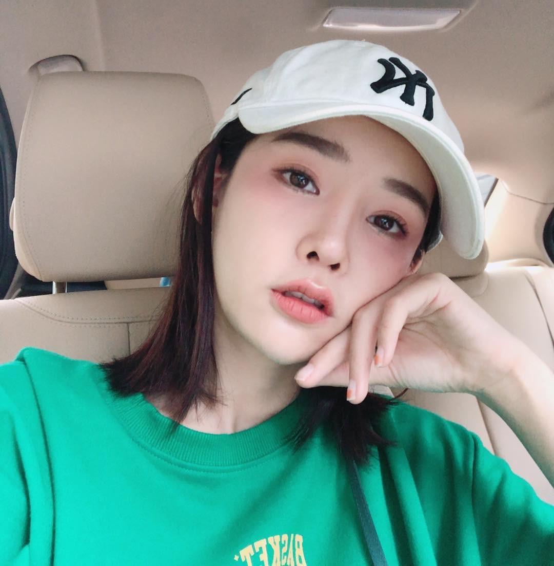 3 kiểu má hồng Hàn Quốc giúp bạn gái xinh xắn tự nhiên trong mùa lễ hội cuối năm - Ảnh 2