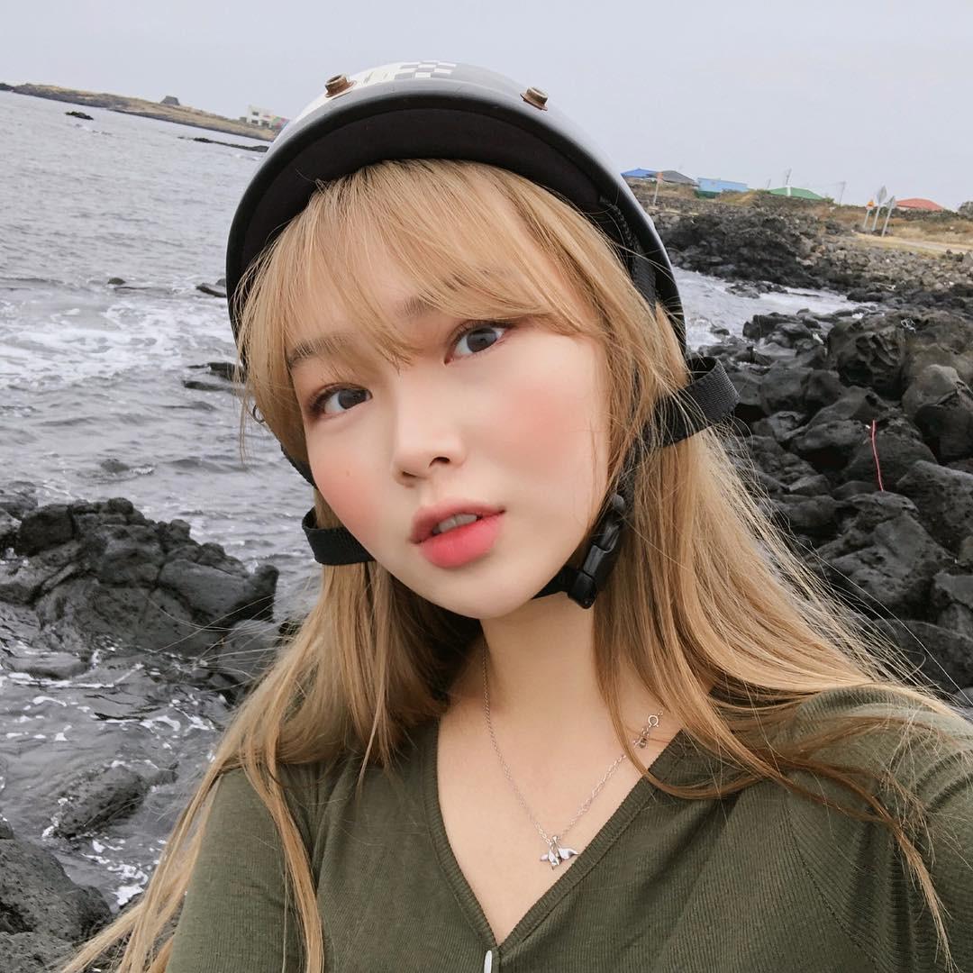 3 kiểu má hồng Hàn Quốc giúp bạn gái xinh xắn tự nhiên trong mùa lễ hội cuối năm - Ảnh 7