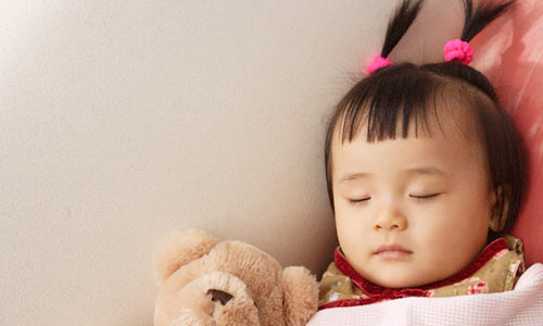 Cha mẹ đã biết chăm sóc tóc cho bé gái đúng cách để con muôn phần tự tin? - Ảnh 1