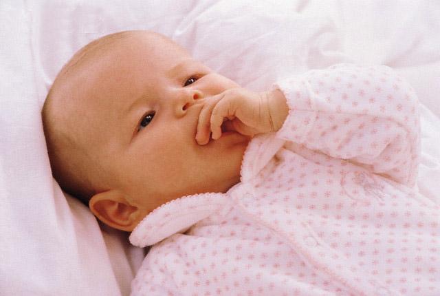 Trẻ dưới 3 tuổi có những biểu hiện khiến bố mẹ lo lắng nhưng thật ra chính là dấu hiệu thông báo con rất thông minh - Ảnh 2