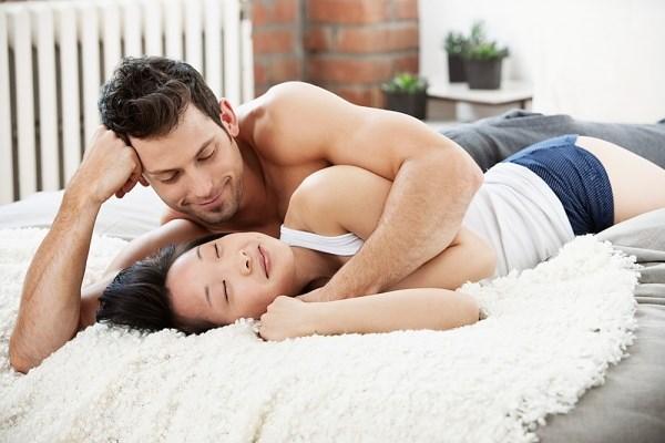 3 việc làm mới nghe qua khiến phụ nữ ĐỎ MẶT đàn ông lại thích tới CUỒNG SI - Ảnh 1