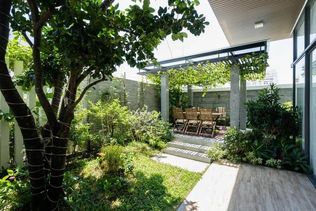 Biệt thự 350m2 với sân vườn tuyệt đẹp, gia chủ uống trà, ngắm hoa mỗi ngày - Ảnh 4