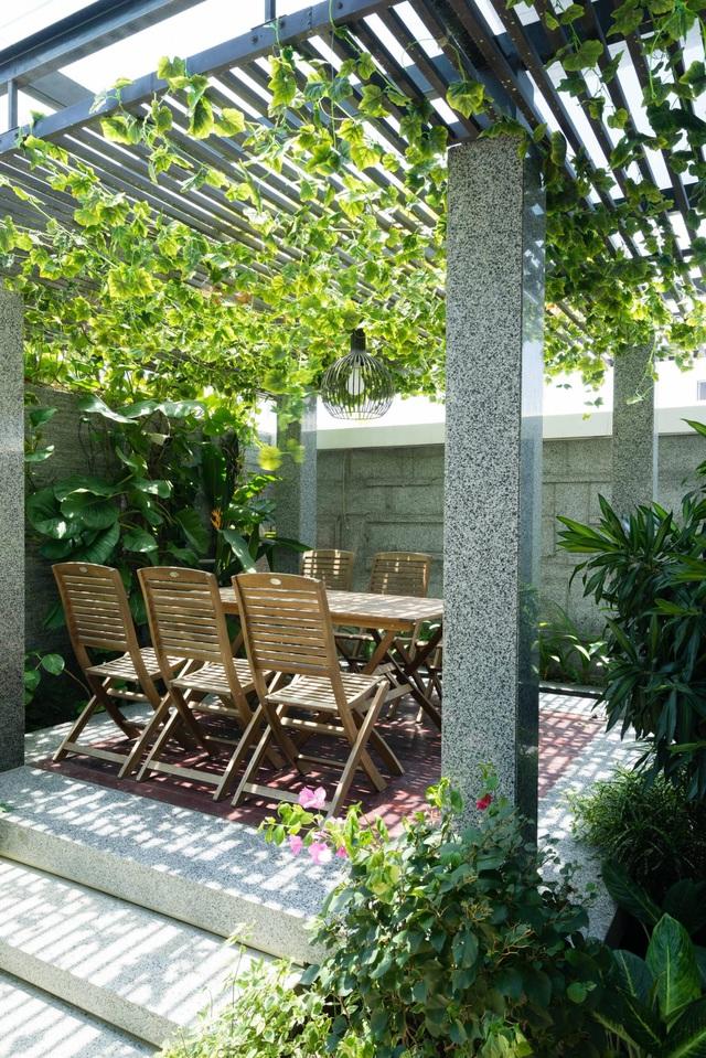 Biệt thự 350m2 với sân vườn tuyệt đẹp, gia chủ uống trà, ngắm hoa mỗi ngày - Ảnh 5