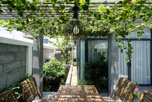 Biệt thự 350m2 với sân vườn tuyệt đẹp, gia chủ uống trà, ngắm hoa mỗi ngày - Ảnh 6