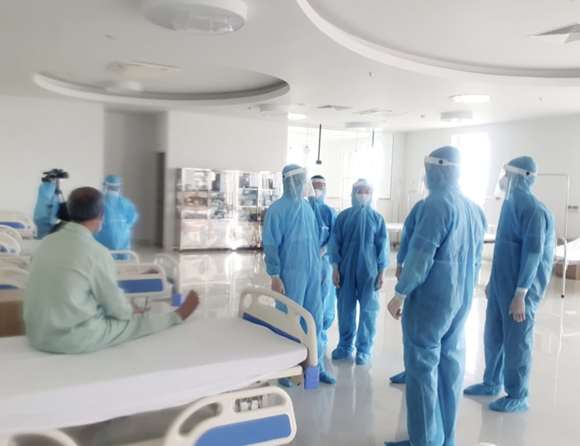 41 bệnh nhân Covid-19 tiên lượng nặng, 2 người phải dùng ECMO - Ảnh 1