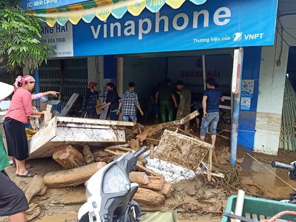 Lũ ống trong đêm ở Lào Cai, ít nhất 2 người chết, 1 người mất tích - Ảnh 2