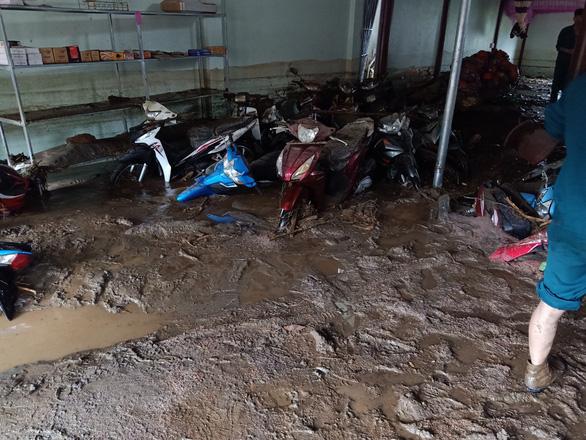 Lũ ống trong đêm ở Lào Cai, ít nhất 2 người chết, 1 người mất tích - Ảnh 3