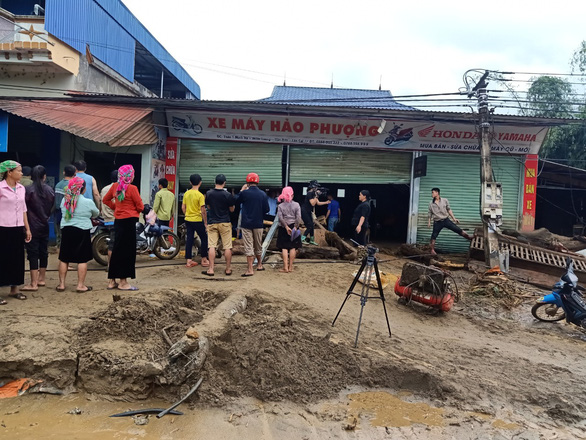 Lũ ống trong đêm ở Lào Cai, ít nhất 2 người chết, 1 người mất tích - Ảnh 8